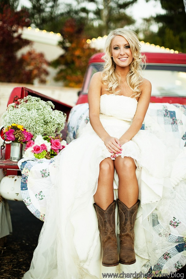 Becca Chris Married Country Chic Wedding The Yes Girls